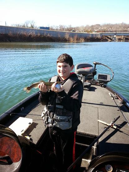 Branson fishing guide lake taneycomo trout fishing report for Branson trout fishing